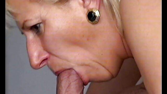 Sexe pas d'inscription  Mature donne pipe avec film porno francais de beaux yeux
