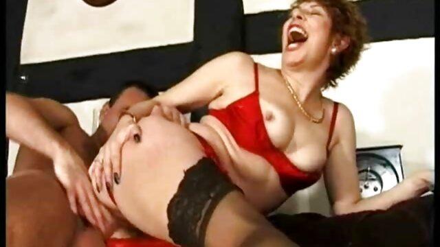 Sexe pas d'inscription  Mamie et jeune homme - film francais x gratuit 5