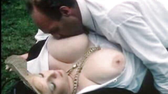 Sexe pas d'inscription  stickyasian18 Petite Dee pipe & Cherry film porno gratuit en français baise