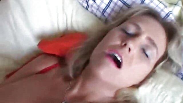 Sexe pas d'inscription  Une fille modeste devient film porno gratuit francais complet folle à cause de la double pénétration