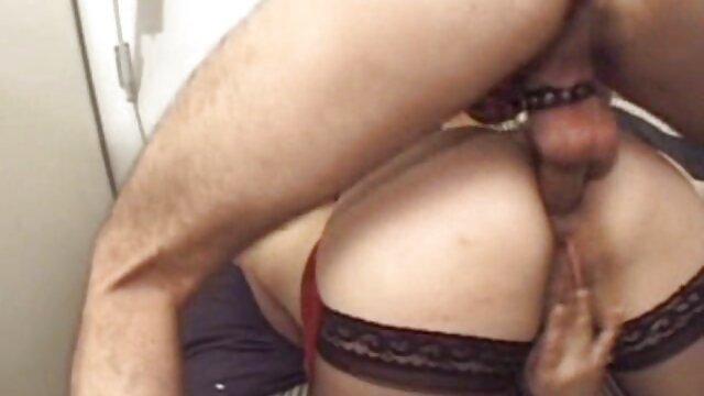 Sexe pas d'inscription  PAWG film porno vintage francais lèche sa chatte, elle aime sa noix