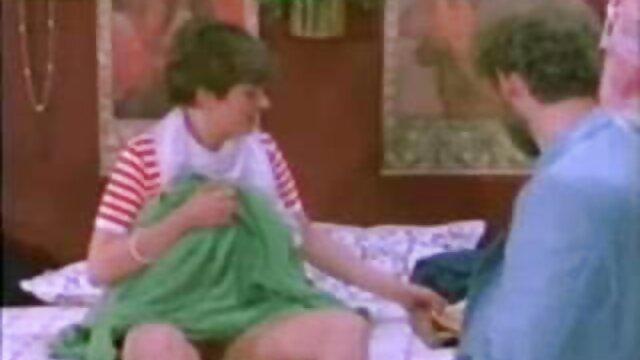 Sexe pas d'inscription  Des lesbiennes bizarres en latex film porno en francais complet