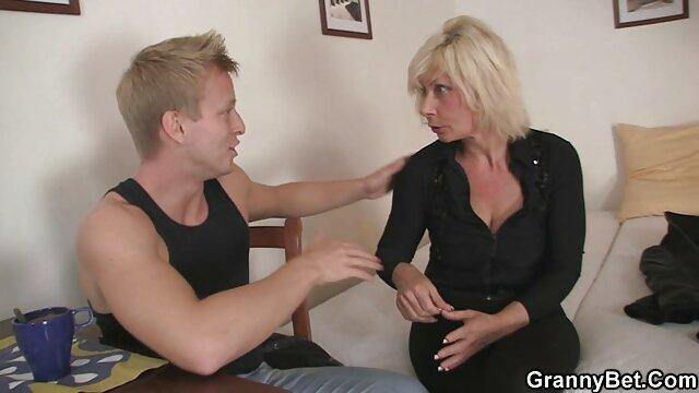 Sexe pas d'inscription  Bukake lesbiennes avides de extrait film x français sperme