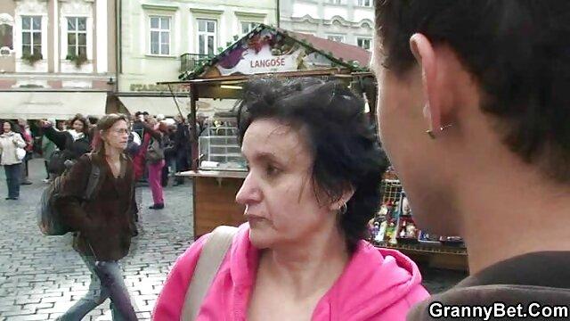 Sexe pas d'inscription  Brigette (alias Anita Black) film porno complet francais streaming et Mike Foster (hongrois)