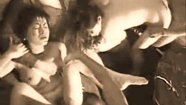 Sexe pas d'inscription  Mme ChokesOnDick à film porno français amateur l'envers